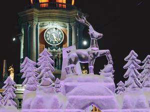 Бизнес штрафуют за несоблюдение антиковидных мер, а город отказывается от ледового городка