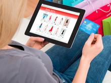 Количество онлайн-платежей за покупку одежды выросло в 8,7 раза