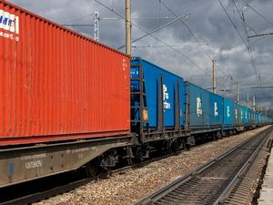 Перевозки контейнеров на Красноярской магистрали продолжают расти