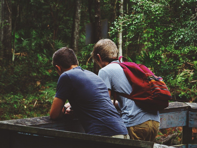 Бросать старых друзей ради новых знакомых: смело, перспективно, разумно