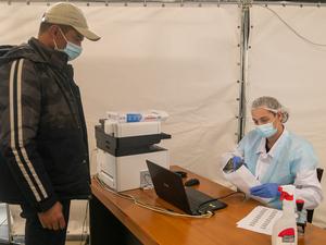 В красноярском аэропорту одни из самых дорогих в России тестов на коронавирус