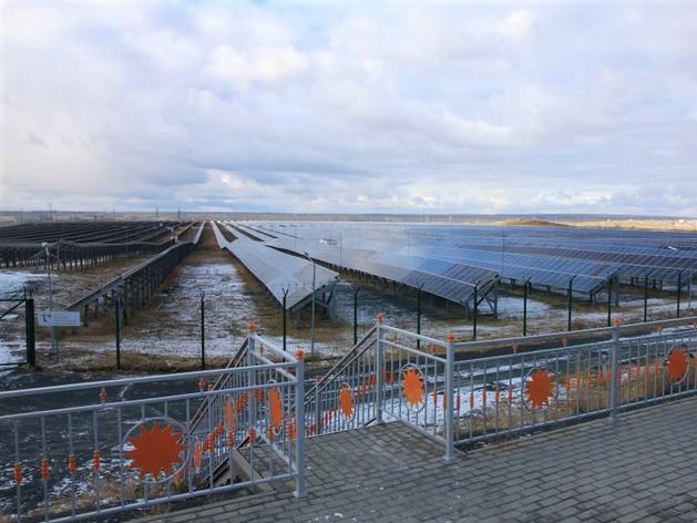 Заработать на солнце. Как устроена одна из крупнейших солнечных электростанций России