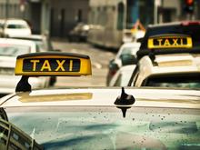 «Натягивают пищевую пленку». Таксисты просят компенсировать затраты на защитные экраны