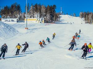 На горнолыжном курорте «Солнечная долина» состоялось открытие сезона