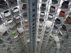 «Весной рынок встанет». Россияне скупают б/у машины по откровенно завышенным ценам