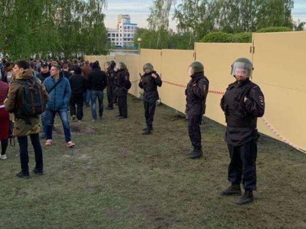 Участника протестов против строительства храма в сквере обязали выплатить 122,5 тыс. руб.