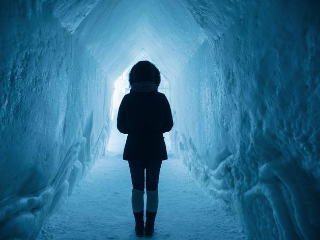 Зимняя депрессия, дополненная страхами COVID. Как пережить зиму 2021 и не сойти с ума