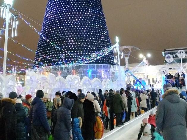C социальной дистанцией? Каким будет ледовый городок на центральной площади Екатеринбурга