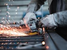 Как спрос на «синих воротничков» меняет рынок труда?