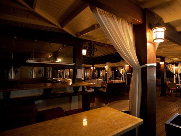 Власти отказали рестораторам в системе QR-кодов для ночной работы. Их выручка упала до 70%
