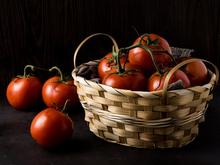 Азербайджанским помидорам запретили въезд в Россию. Красноярские сети ищут замену