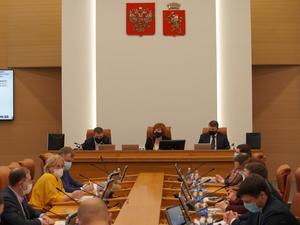 Бюджет Красноярска приняли с профицитом в 400 млн рублей