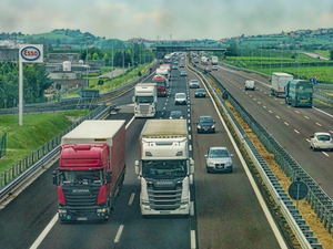 2ГИС запустил бесплатный грузовой навигатор в Новосибирске