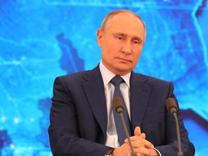 «До таких, как я, вакцины пока не добрались». Что стоит знать из пресс-конференции Путина