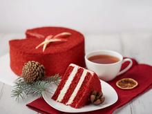 «Куликовский» балует к Новому году — каждому покупателю второй торт в подарок