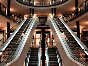 Несколько магазинов, ТЦ и гостиницу оштрафуют на крупную сумму