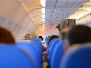 Суд вернул работу бортпроводнику известной авиакомпании