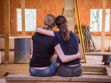 Дружба взрослых: поддерживать близкие отношения сложно, но необходимо. Как искать друзей?