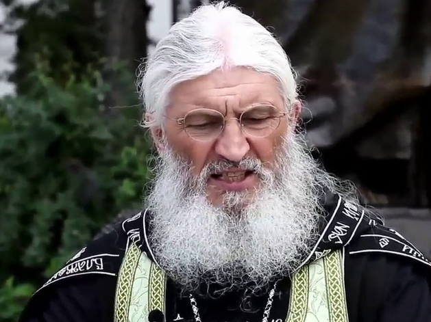 Силовики взяли штурмом Среднеуральский монастырь. Отца Сергия задержали