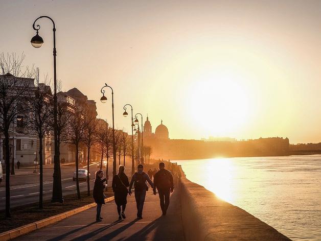 Россияне меньше спят, лучше едят, а спорт совмещают с пивом. Изменения в стране за 20 лет