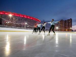 Около «Екатеринбург Арены» открылся спортивный «Арена Парк» с большим катком