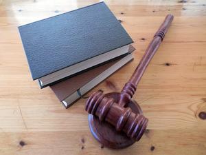 На двоих 17 лет. Осуждены наркополицейский и начальник отдела полиции из Выксы