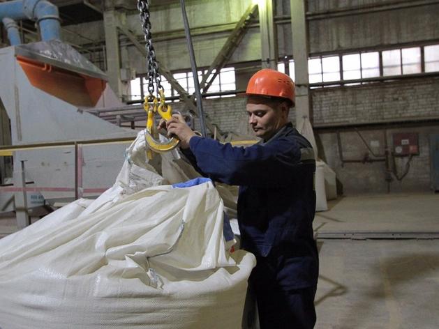 Сотрудники уральского завода пожаловались на депутата, который «мешает им работать»