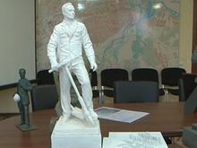 В Абакане установят памятник мэра на самокате