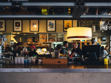 Минпром рассказал о самых частых «ковидных» нарушениях в кафе и магазинах
