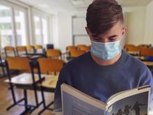 Уральские школьники возвращаются к очной форме обучения. Теперь без исключений