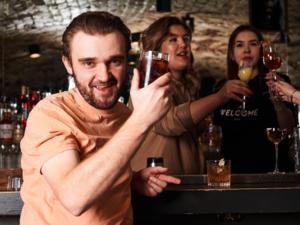 Закрытый из-за карантина бар признали лучшим в Красноярске