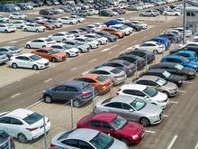 Жители Екатеринбурга пересаживаются на подержанные авто. Спрос и цена на них растут