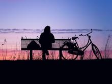 Терпите жуткие отношения и отвратительную работу? Вы бежите прямо в лапы одиночества