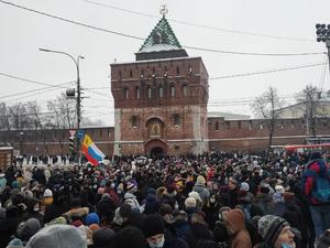 Около 2 тыс. человек вышли на акцию в поддержку Алексея Навального в Нижнем Новгороде