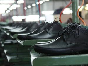 «Обувь России» хочет снизить цены на продукцию