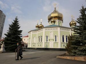 «Записаться можно в храме»: в Челябинске открылась православная стоматология
