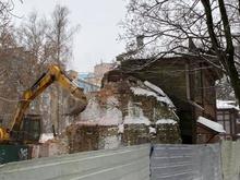 Начался снос дома на спорном участке Новой-Короленко. Инвестор выиграл суд