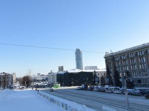Снять леса со здания на главной площади Екатеринбурга должны летом