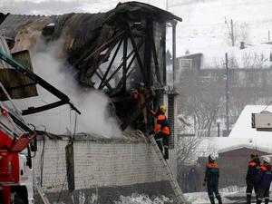 Виновных в гибели людей при пожаре на складе в Красноярске установит следствие