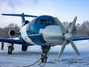 СибНИА представил летающую лабораторию на базе самолета ЯК-40 с электродвигателем