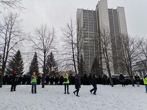 Ученые, актеры и писатели потребовали прекратить политические репрессии в России