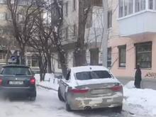 В Екатеринбурге предприниматель умер за рулем авто от сердечного приступа