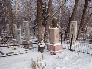 Самому большому кладбищу Челябинска увеличат территорию: не хватает места под новые могилы
