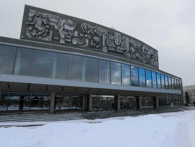 В колонию на 4 года: подрядчик получил реальный срок за ремонт Дворца молодежи