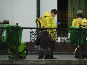 «Агрегаторы забирают клиентов». Рынок доставки из ресторанов в Екатеринбурге вырос на 80%