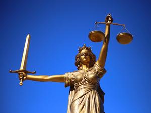 Суд остановил банкротство одного из старейших институтов драгметаллов Новосибирска