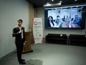 В Кыргызстан по мосту дружбы