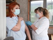 Передвижной пункт вакцинации от COVID-19 начал работу на Красноярской железной дороге