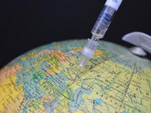 Вакцинированные «Спутником V» смогут въезжать в ЕС. Для этого нужно получить сертификат