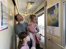 В Поезде здоровья «Святитель Лука» открылась выставка живописи